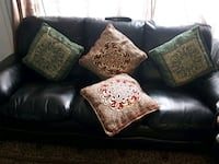 4 beautiful   pillows for  sale  Hamilton, L8W 1E7