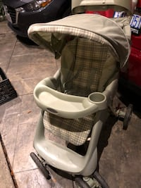 baby's gray and black stroller 奥克维尔, L6H 7P9