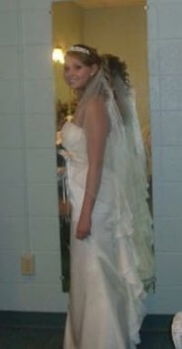 $500 obo Davis's bridal size 4 dress with tiara, veil, and rose broach on hip. Fort George G Meade, 20755