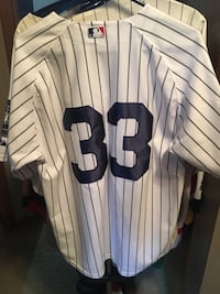 Large Yankees jersey  Calgary, T2Y 2W5