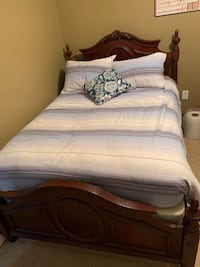 Twin/double bed and dresser  836 mi