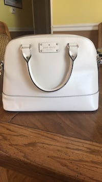 gently used kate spade bag Enfield, 06082