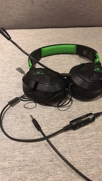 Black and green turtle beach corded headset !need gone today! Cambridge, N1T 1R7