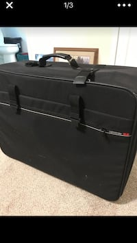 Samsonite large suitcase  New Hill, 27562