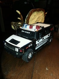 Jada 124scale Used good shape some minor flaws Police Hummer.