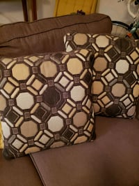Just go new pillows so no need for these ones Columbus, 43220