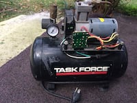 Task force 2 gallons air compressor  Umatilla, 32784