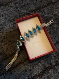 gold-colored and blue gemstone encrusted bracelet North Chesterfield, 23234