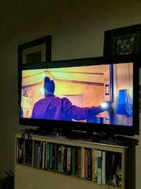 Roku built in smart tv sharp 50' St. Catharines, L2R 5K6