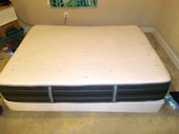 white and black bed mattress 18 to 20 in Alexandria, 22305