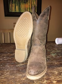 Pair of brown leather cowboy boots Baldwin Park, 91706