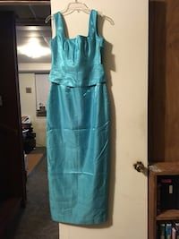 2 Formal dresses size 4 $10.00 each or make an offer. The turquoise color is new Cleveland, 37323