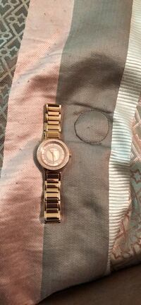 Rose gold Michael Kors watch  New York, 10471