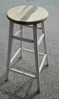 Wooden stool Barrie, L4N 2R7