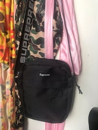 Supreme Shoulder Bag Laurel, 20723