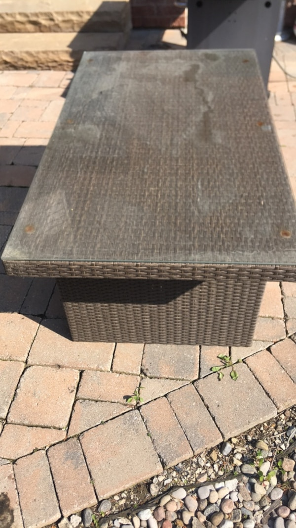 Outdoor table  d97f46b5-a220-4c57-8df4-b06d06e1c699