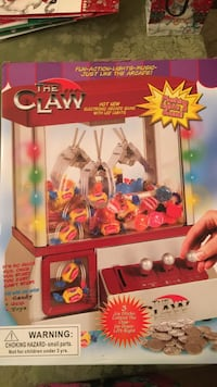 The claw Freehold, 07728