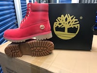 Red Timberlands  Chicago, 60632