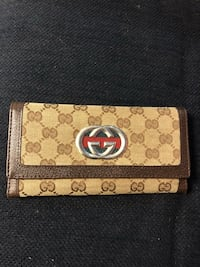 brown and gray Gucci leather wallet Newtown, 06470