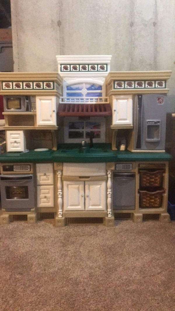 Step2 Lifestyle Deluxe Kitchen