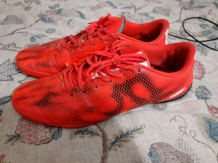Photo Addidas soccer running shoes