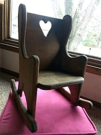 Small wooden rocking chair Inver Grove Heights, 55076