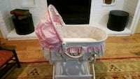 baby's pink and white bassinet Rockville, 20853