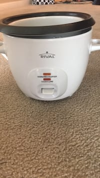Rival rice cooker with steamer  Toronto, M1H