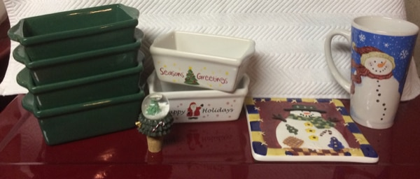 Christmas Loaf Pans, Bakeware, Kitchenware For Sale - Most New 74aae485-a8ab-4e9b-95b0-650e011b8dd7