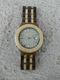 Woodgrain watch
