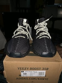 yeezy boost 350 v2 black non reflective Germantown, 20876