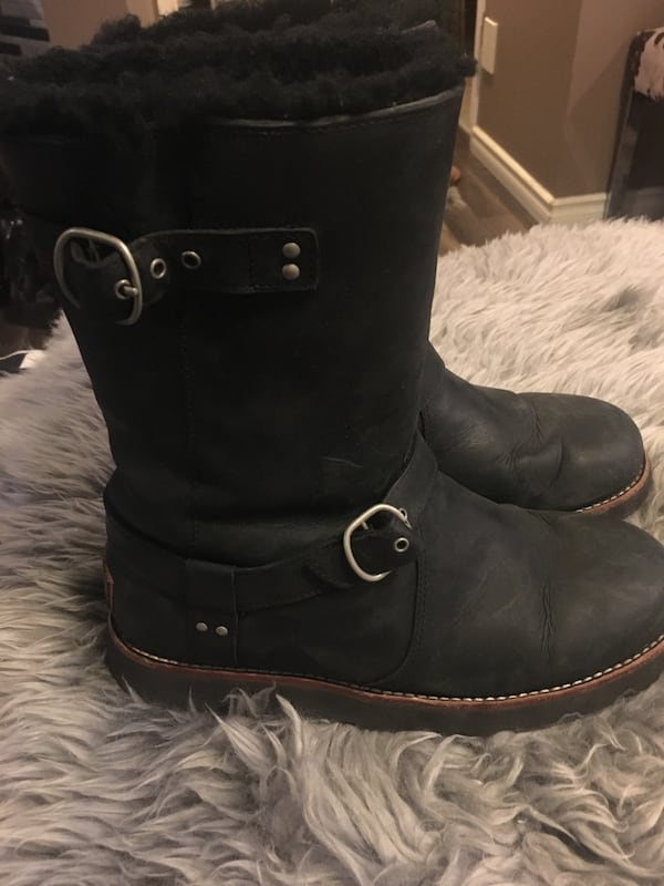 UGG Ladies fall/winter boots size 8 1