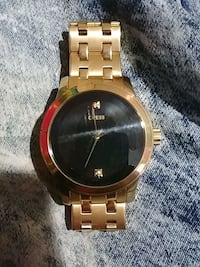Gold guess watch Winnipeg, R3M 1E6