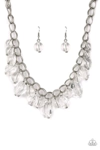 Paparazzi silver and clear teardrop necklace Youngstown, 44505
