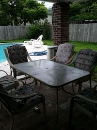 Pool Side Table & 6 Chairs Houston, 77086