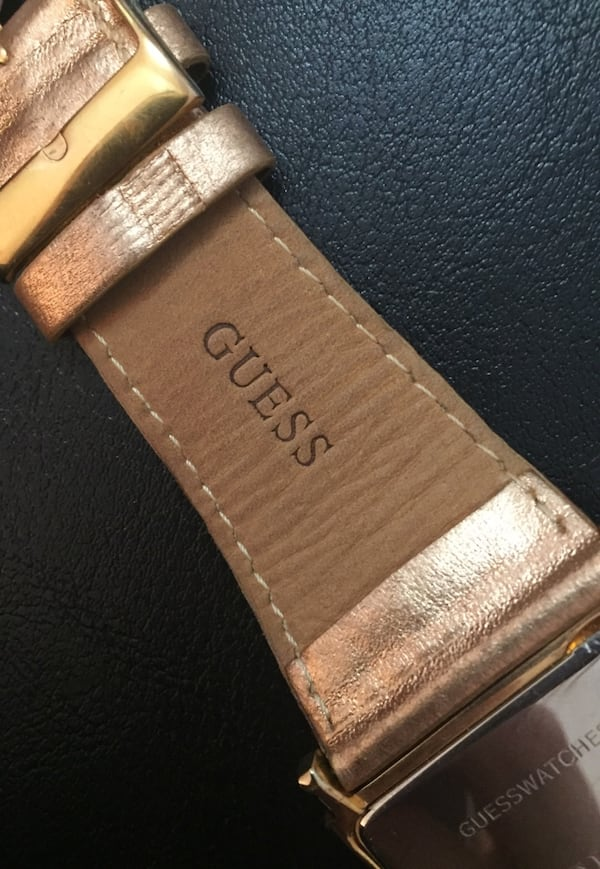 GUESS watch ed24fb86-6819-4e87-8a09-0b8f90082e57