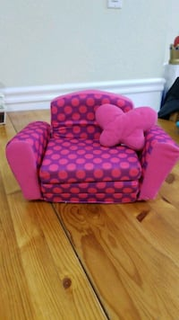18 in doll couch and pillow  Whitehouse, 08889