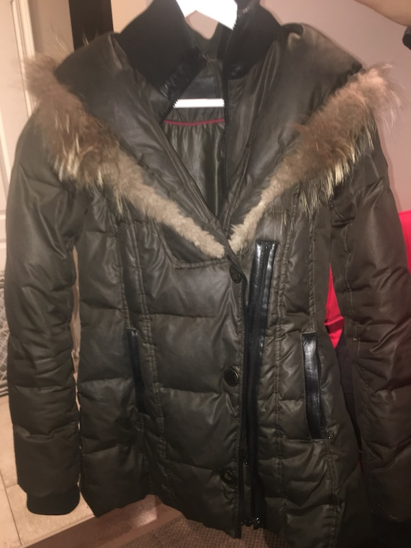 d4f6d794f41 Used Women s winter jacket for sale in Mississauga - letgo
