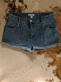 women's blue denim short shorts size 30 Montréal, H4C 2T8