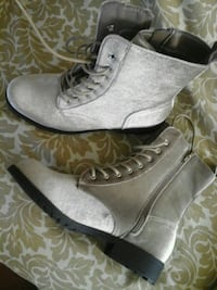 pair of gray suede booties Los Angeles, 90002