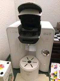 Espresso machine with new water filter and 14 coffee pods. Montréal, H4E 1M5