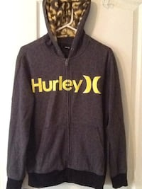 black and white Hollister pullover hoodie Surrey, V4N 5H1