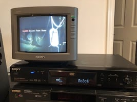 Sony DVD player model DVP-NS400D