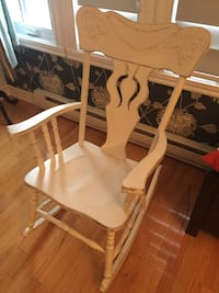 Rocking chair Laval, H7L 4W4