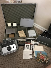 Vintage Polaroid with accessories and case Piedmont, 73078