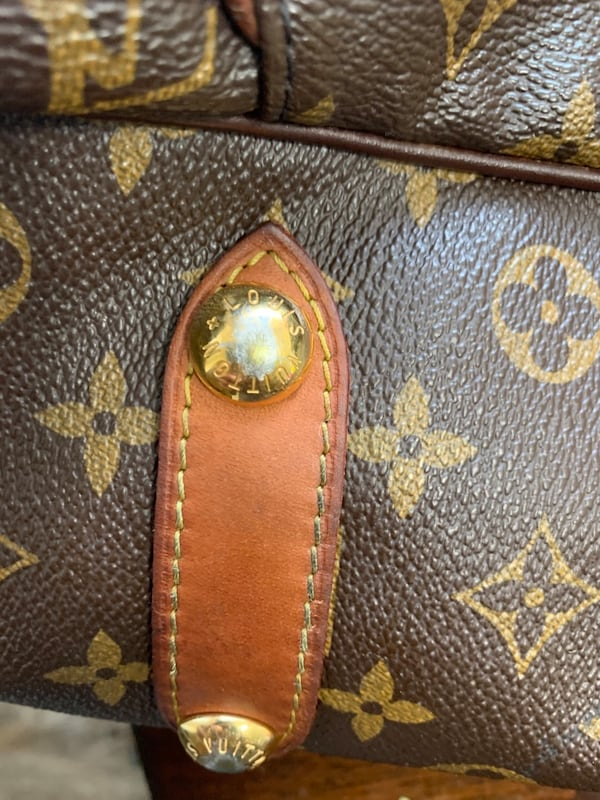 Louis Vuitton Galleria GM MNG BAG *100% AUTHENTIC fd94f792-7ae1-4d38-a9a9-a94a4252ba40