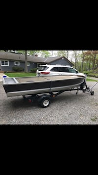 14ft. Aluminum boat and 15 hp 4 stroke engine Mississauga, L4Y 3M6