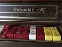 Beautiful vintage organ in near perfect condition. Thomas Symphony Royale 782 Pickup in 97701 area code! Redmond, 97756