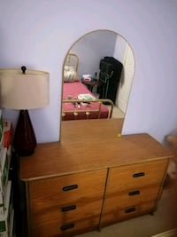 Dresser table with mirror Mississauga, L4Z 3L2