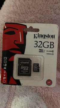 32GB Kingston micro-SD card with adapter